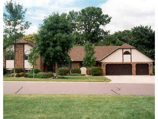 Property for sale at 12795 Collegeview Drive # 203, Eden Prairie,  Minnesota 55347